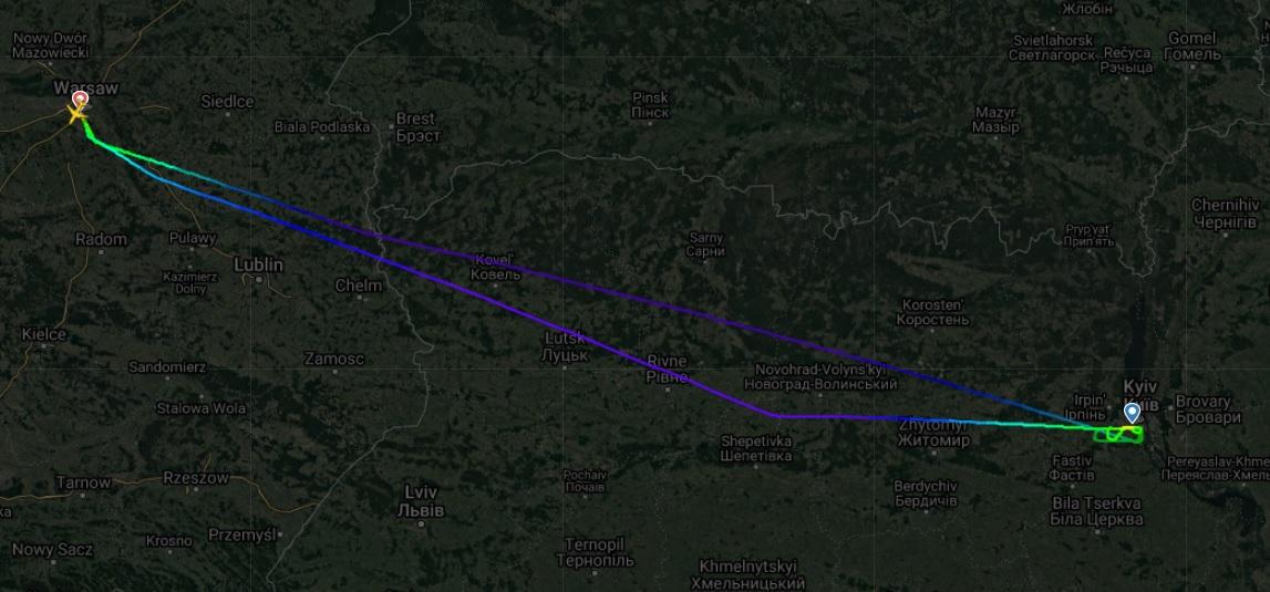 В Киеве не смог приземлиться самолет LOT