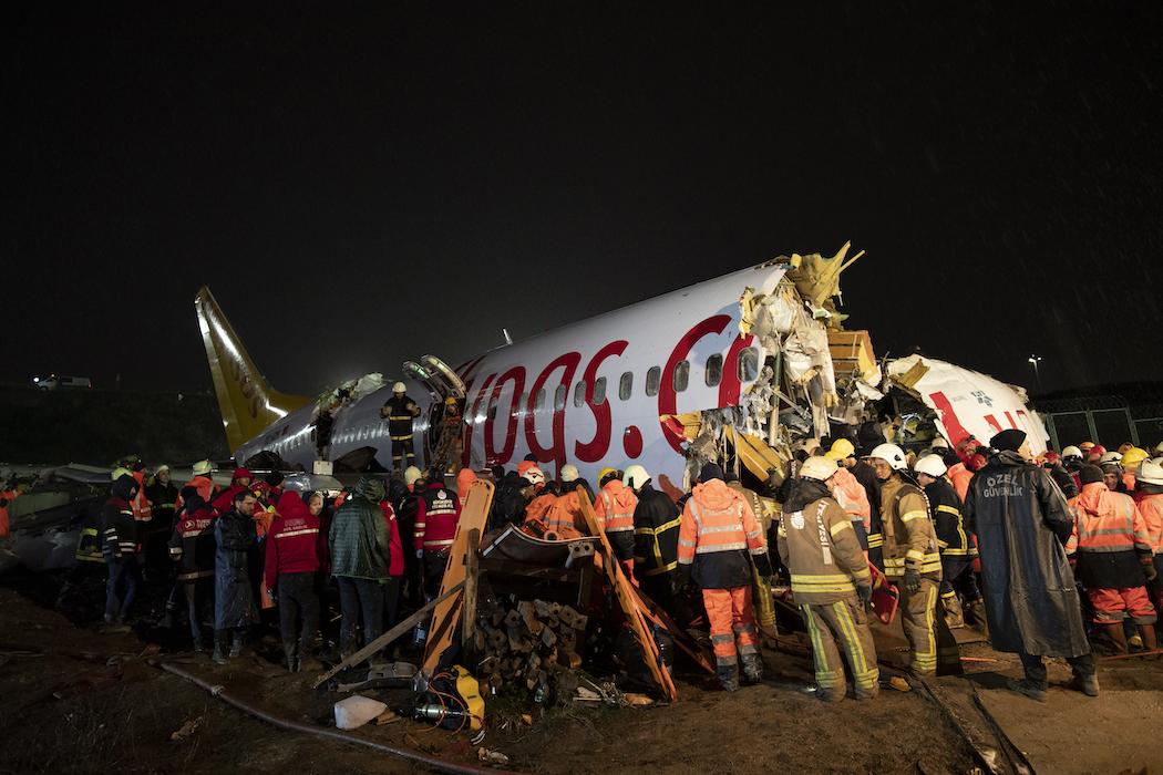 фоторепортаж разбившийся самолет этом