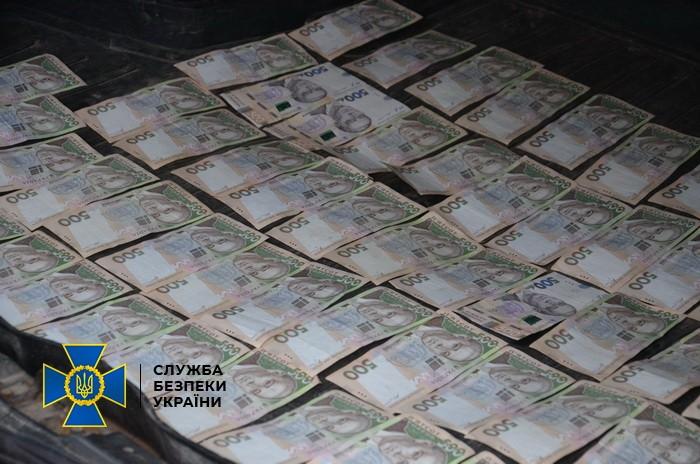 По подозрению во взятке 118 000 грн задержан чиновник в Ивано-Франковске