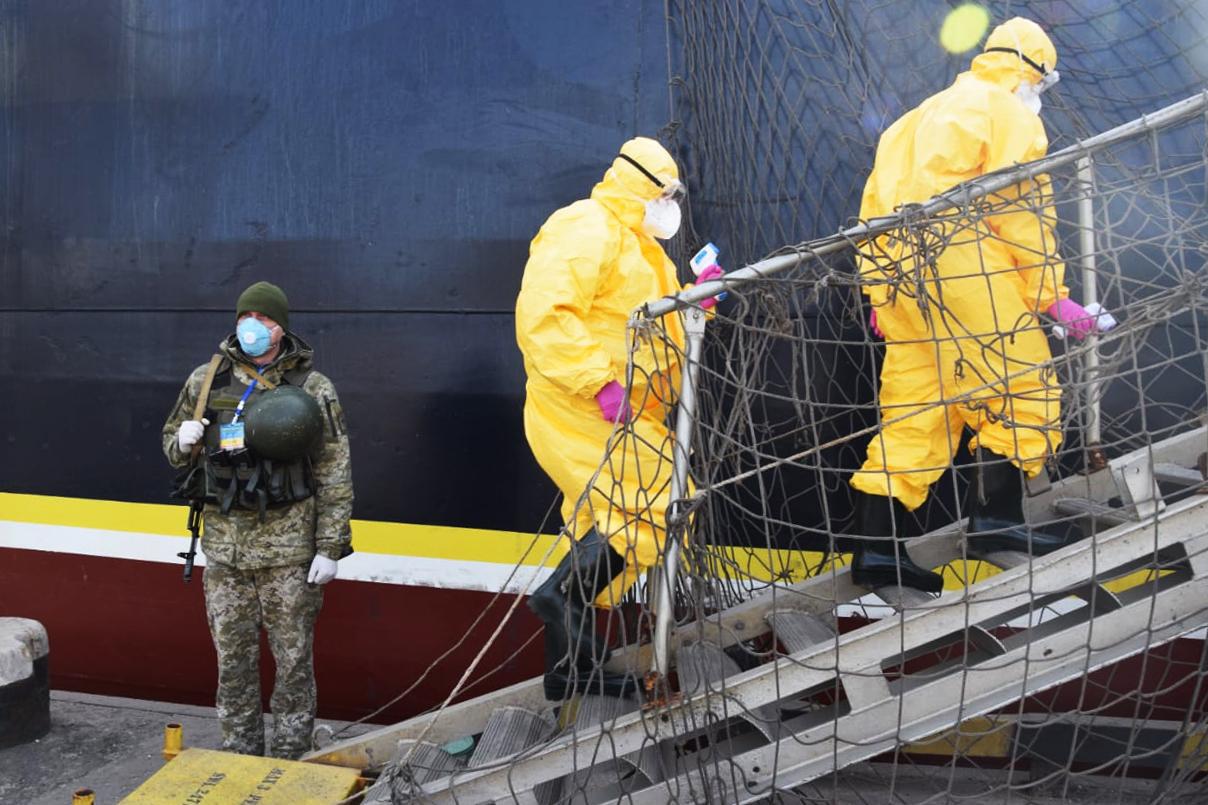 Проверка на коронавирус в Мариупольском порту