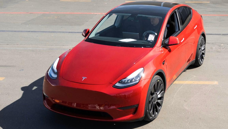Tesla выпустила миллионный электромобиль: Илон Маск показал фото