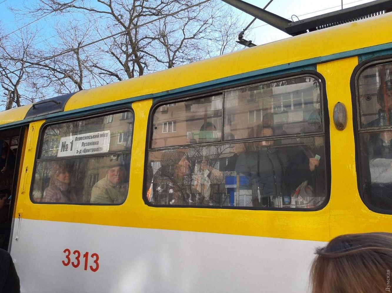 Люди в маршрутках Одессы: фото