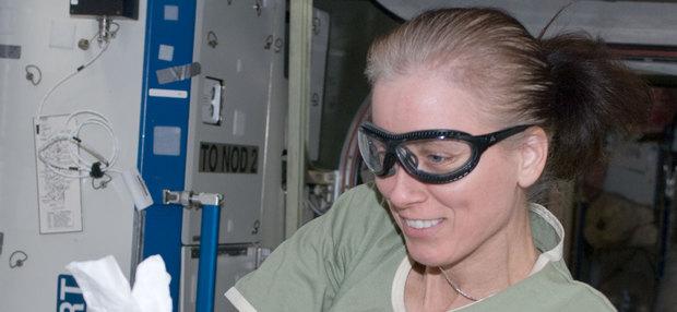 NASA сформировало экипаж первого пилотируемого полета Crew Dragon: имена и фото