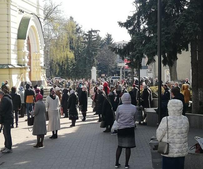Песах, Пасха, Рамадан. Как церкви и общины в Украине уходят на карантин