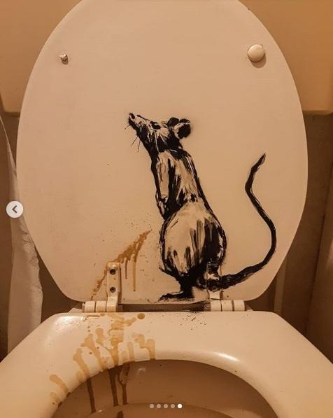 Новая работа Бэнкси: крысы в ванной