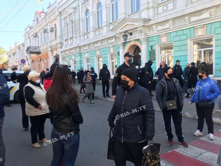 В Мелитополе недовольны, что закрыли рынки