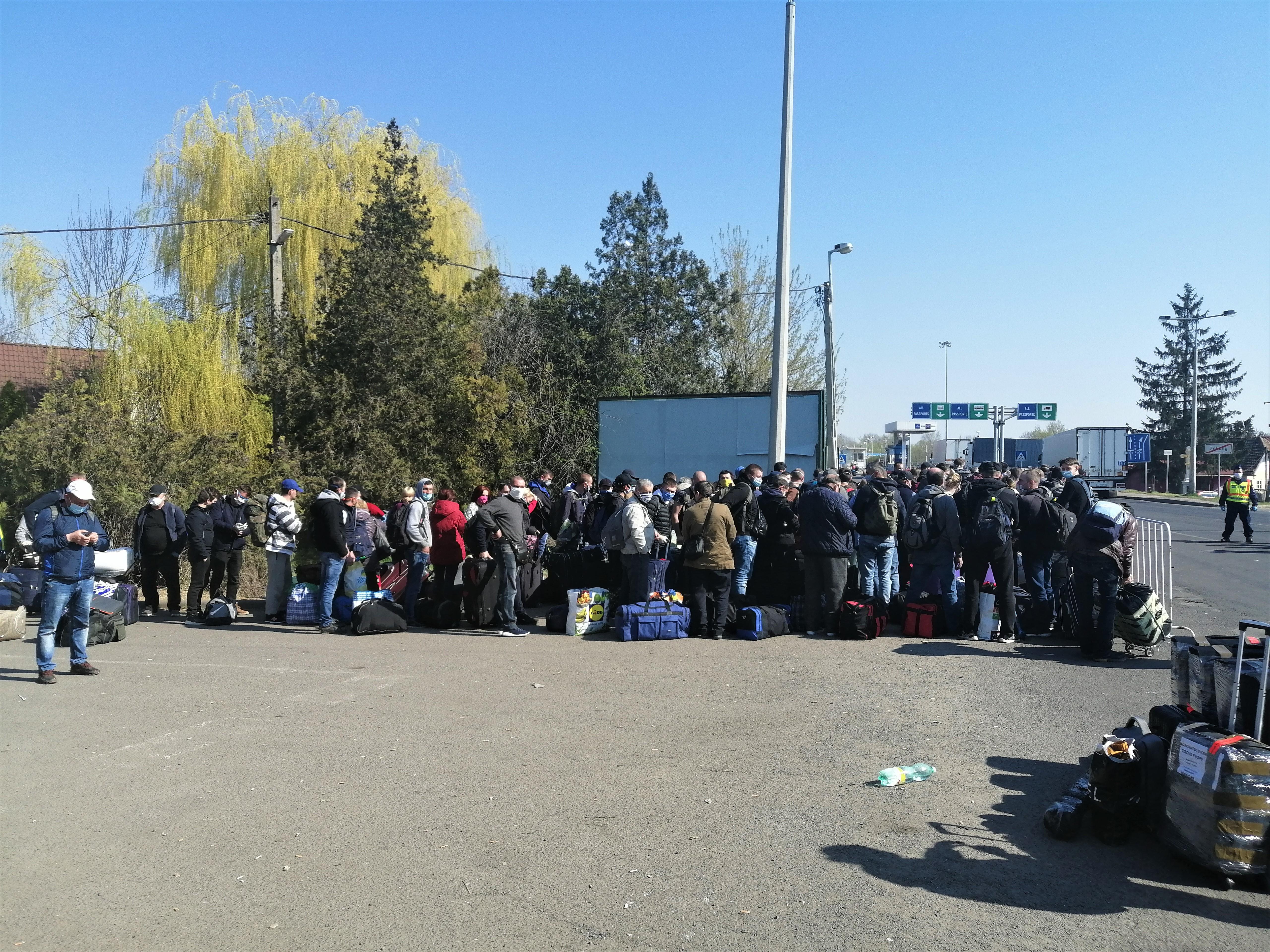 Очередь на украинско-венгерской границе, фото: личный архив Владислава Солодовника