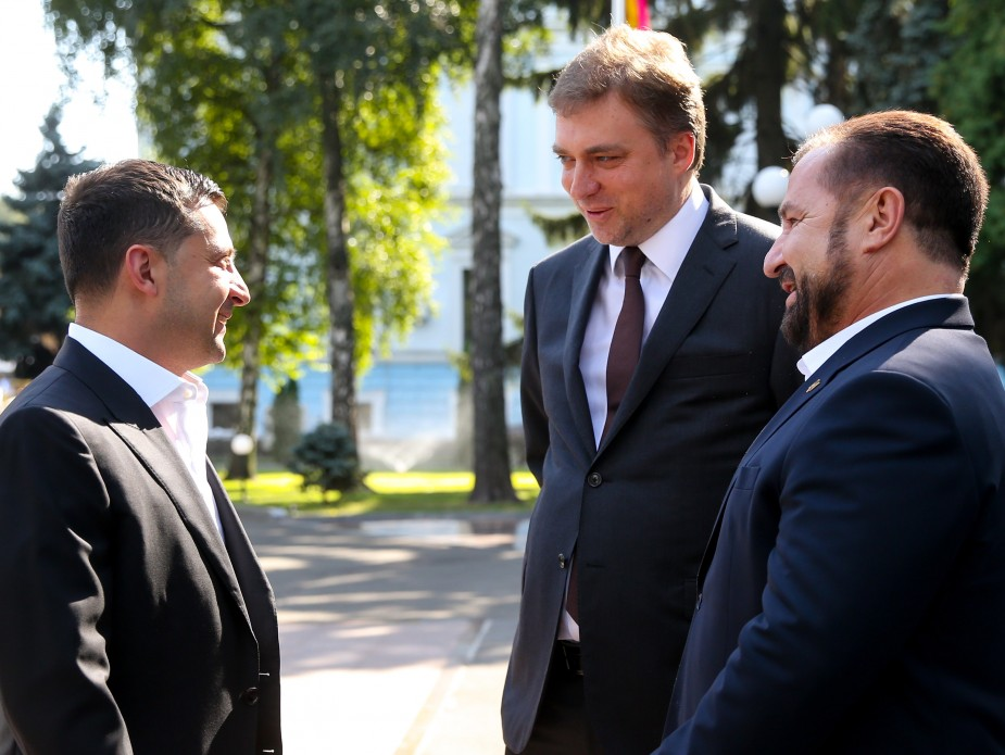 Владимир Зеленский, Андрей Загороднюк и Степан Полторак (фото - пресс-служба президента)