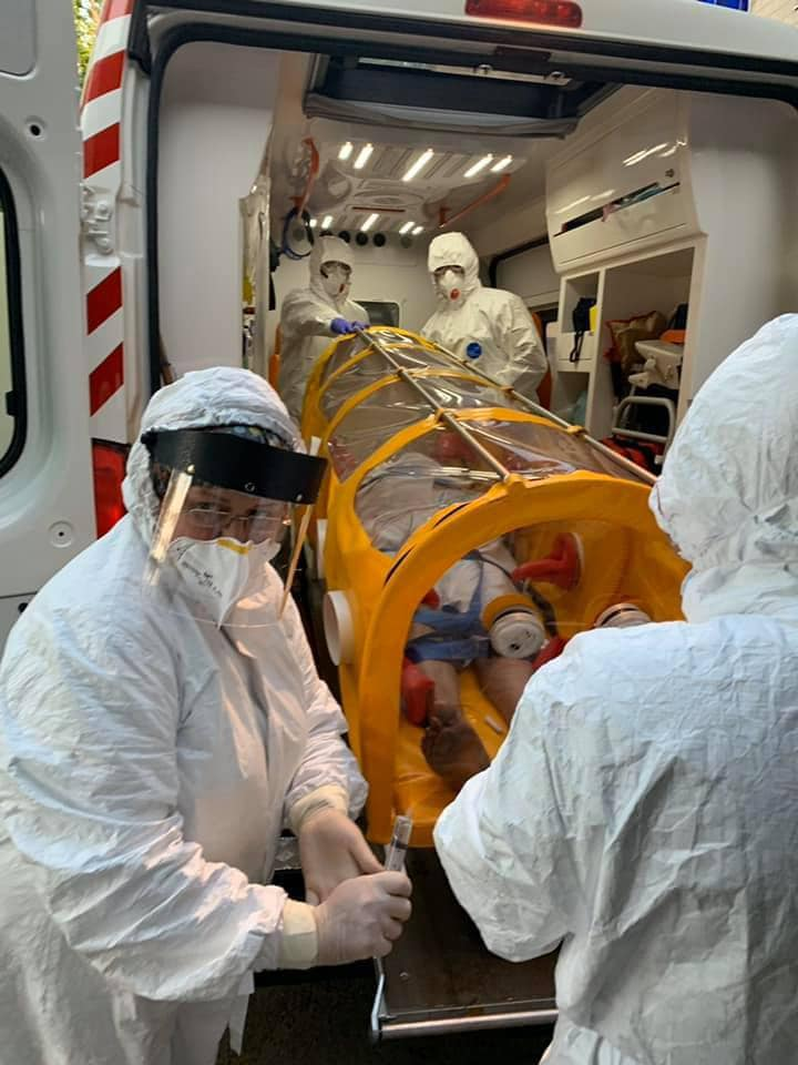В изготовленной в Украине перевезли больного COVID-19