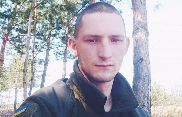 На Донбассе от пули снайпера оккупантов погиб военный