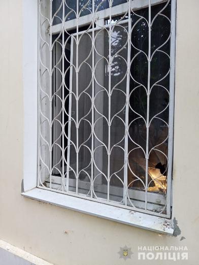 В здание прокуратуры в Каховке бросили коктейль Молотова