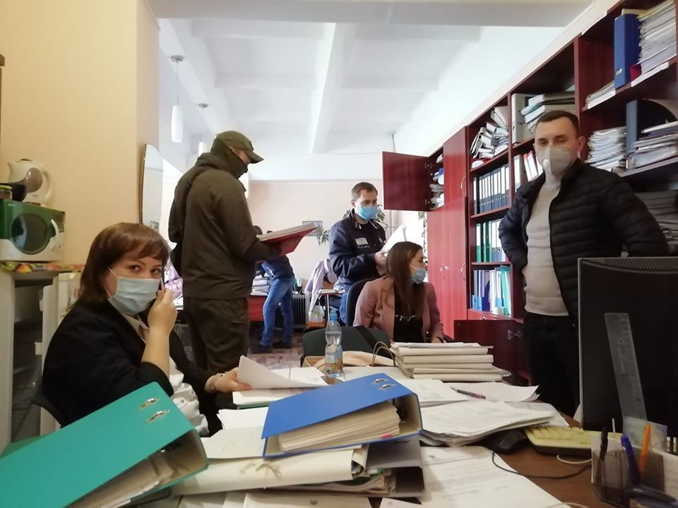 СБУ и полиция проводят обыски в Довженко-Центре