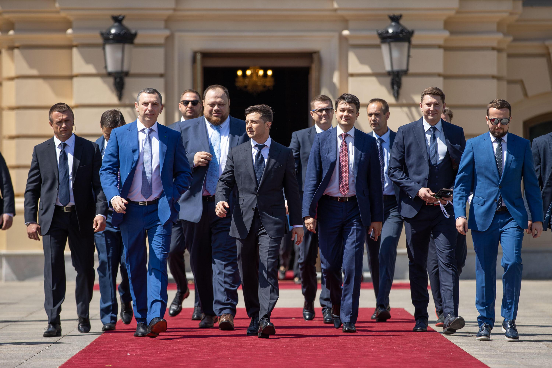 Владимир Зеленский и его команда в день инаугурации (фото - Офис президента)