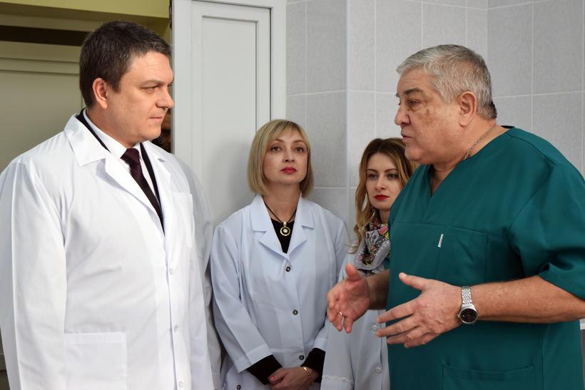 Леонид Пасечник и отец Сергей Либстер (фото - сайт Миротворец)