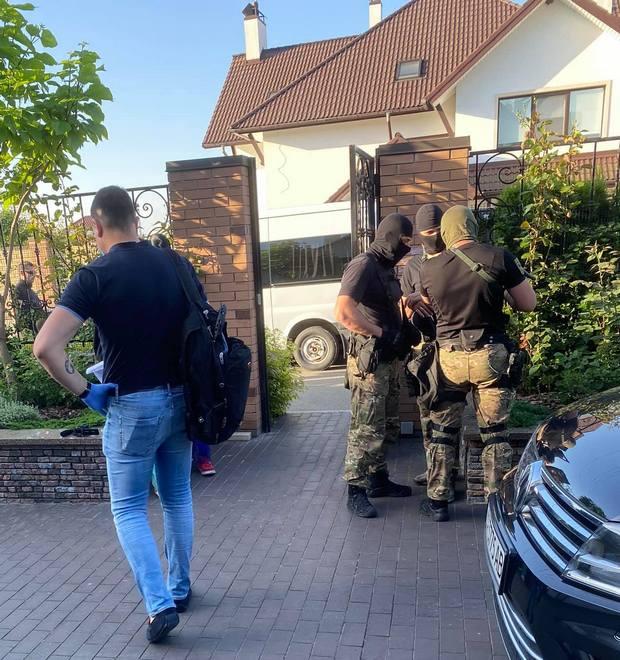 Обыски в доме экс-министра Владимира Омеляна