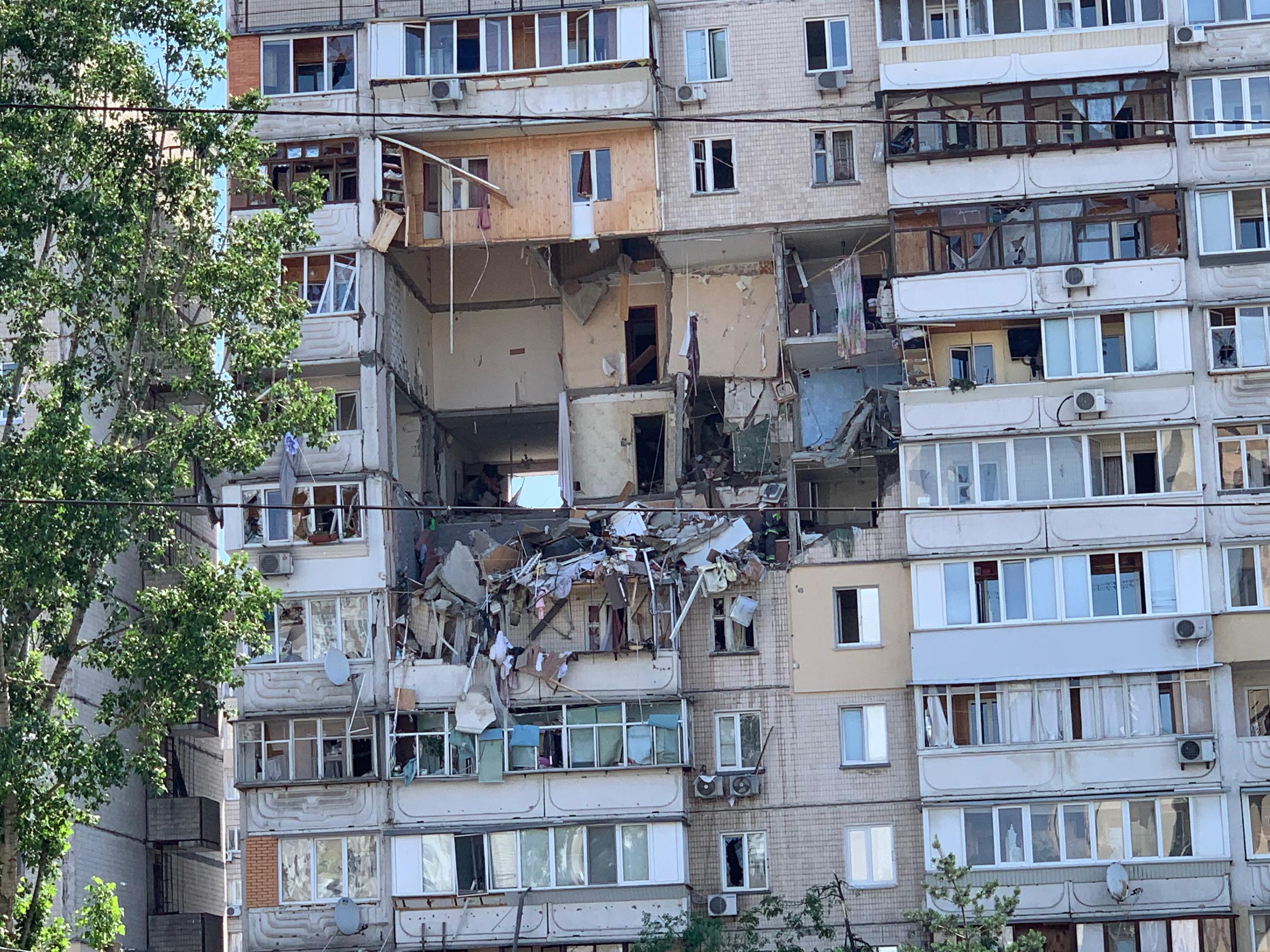 В многоэтажном доме в Киеве произошел взрыв
