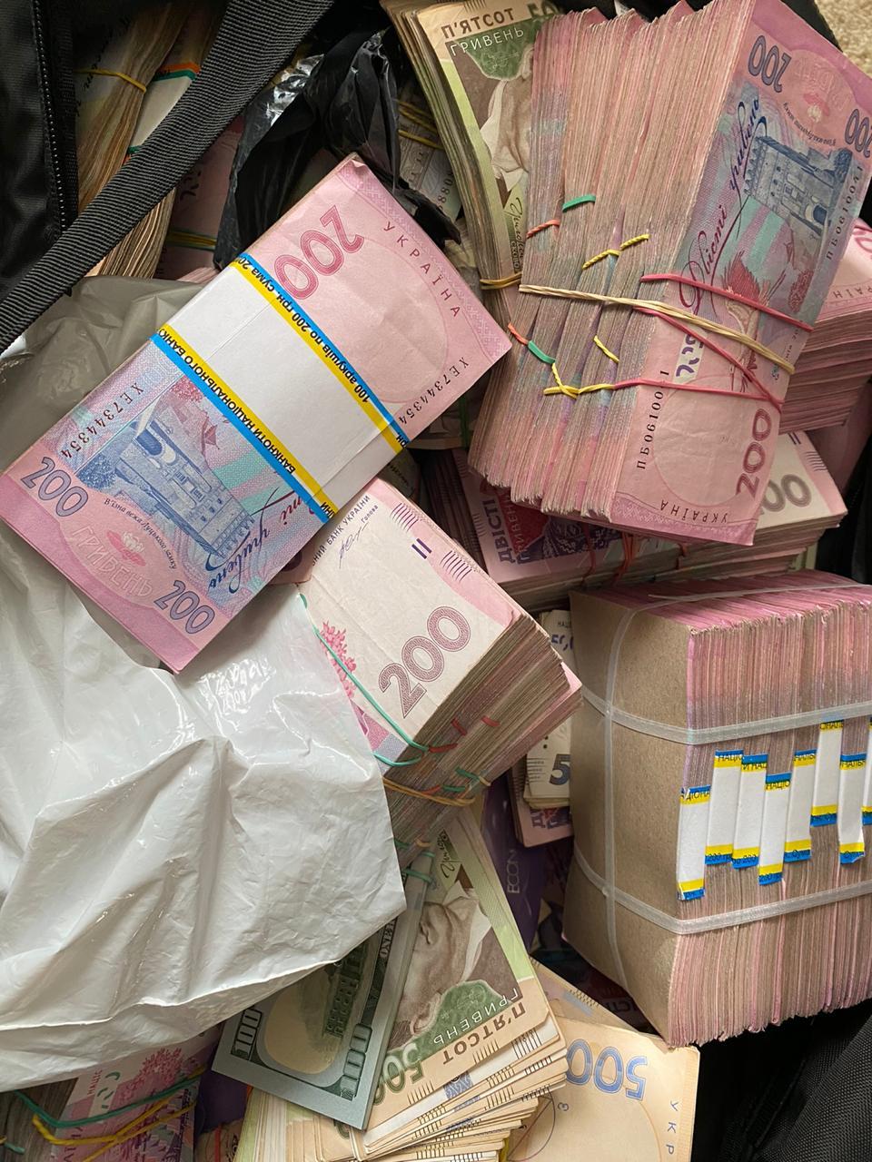 За вымогательство взятки в 1,8 млн грн задержан глава Кировоградской ОГА - СМИ