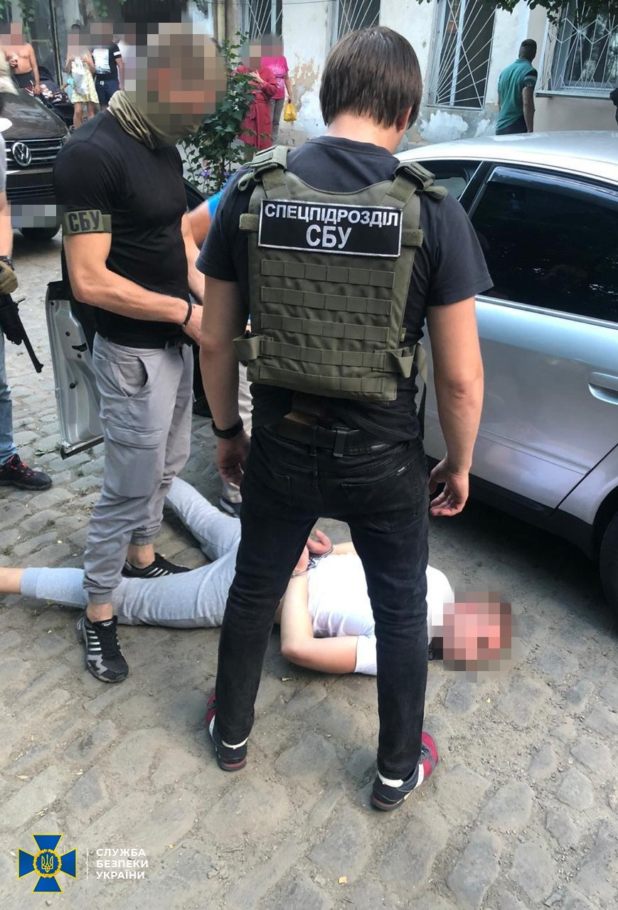 """В Одессе """"Альфа"""" задержала членов банды вора в законе Лоту Гули: видео и фото"""