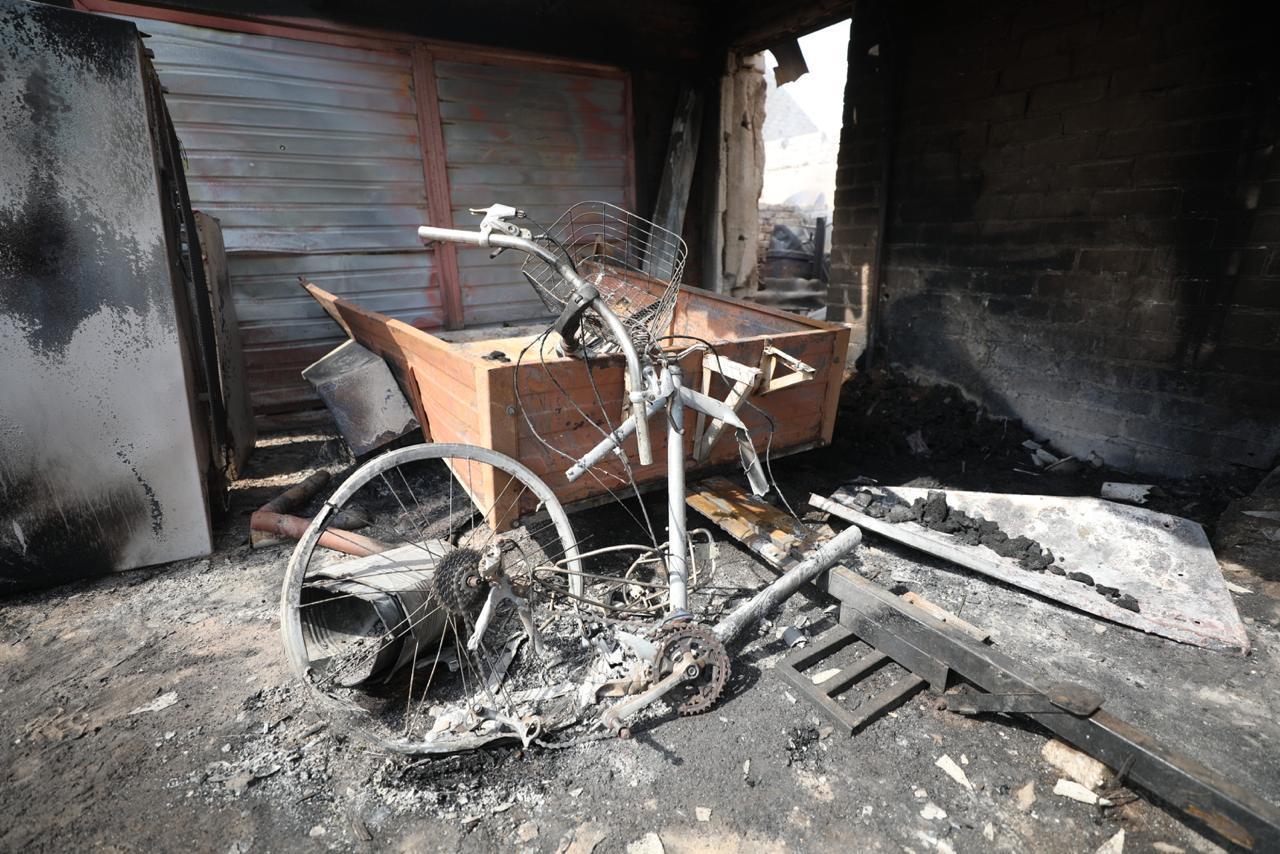 Cгоревшие дома в Луганской области