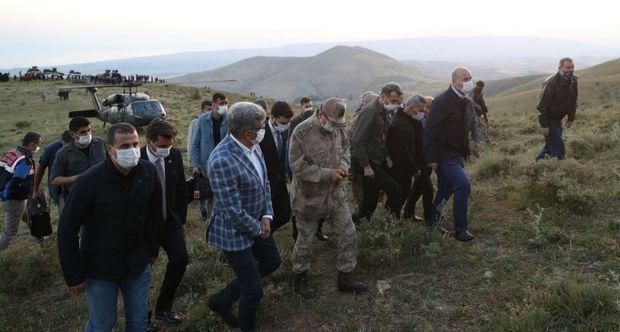 В горах Турции разбился самолет-разведчик: семеро погибли