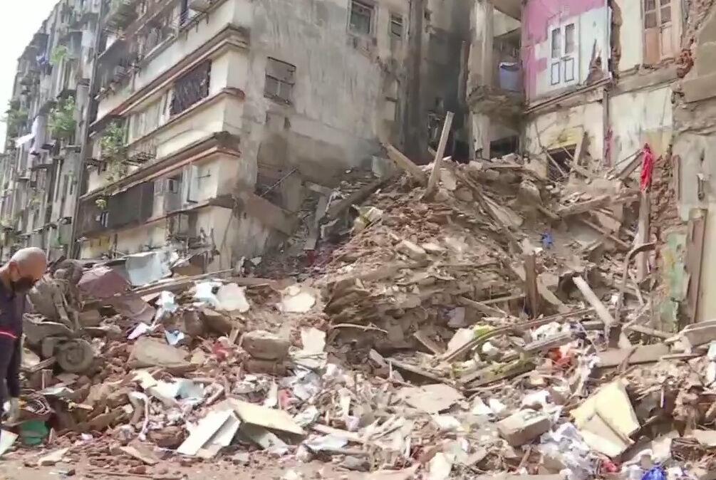 Разрушенный дом в Мумбаи (twitter.com/ajayprakashm)