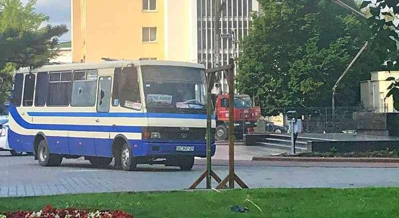 Террорист захватил автобус в Луцке