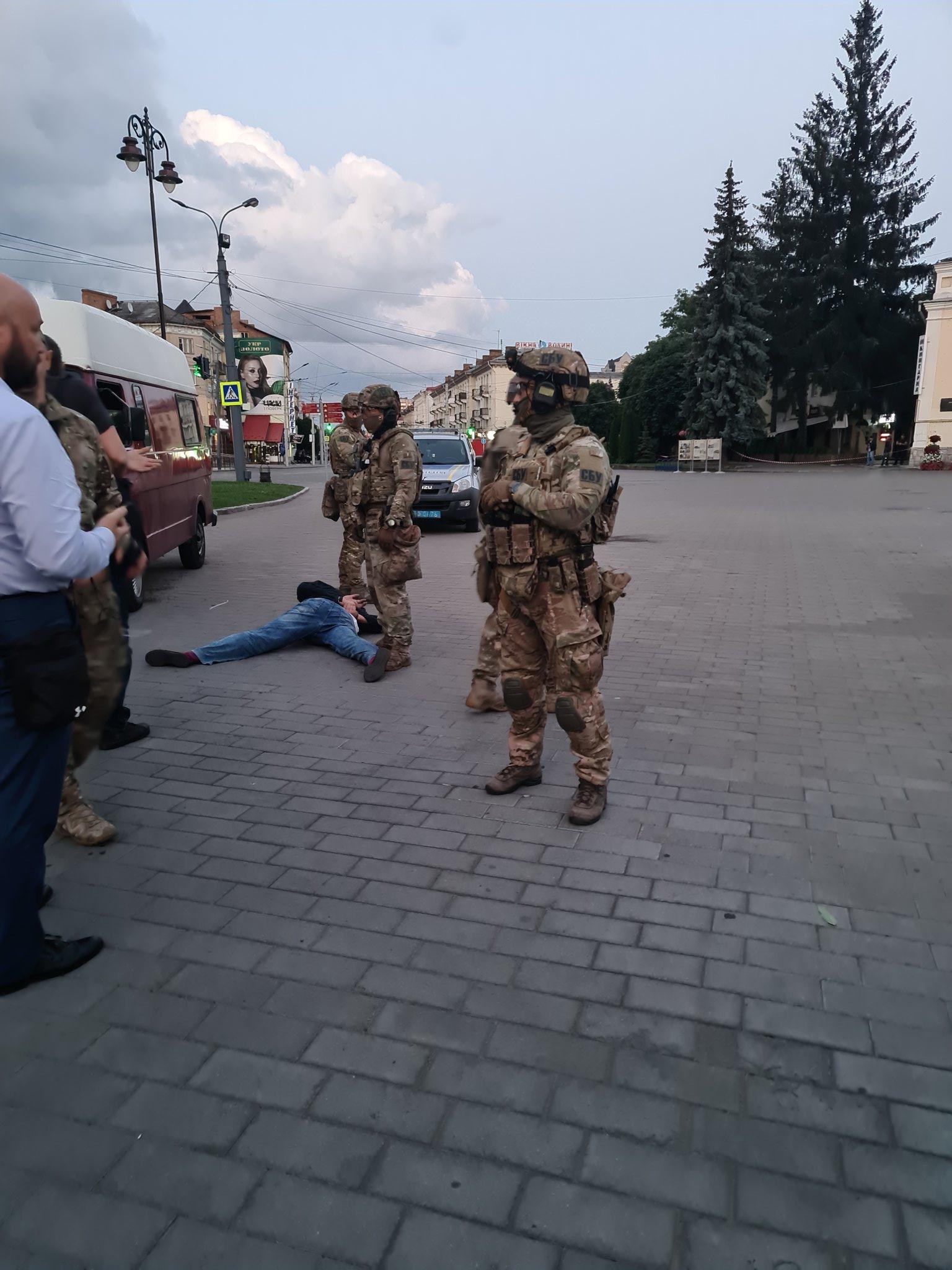 Задержание террориста в Луцке (Фото: twitter.com/AvakovArsen)