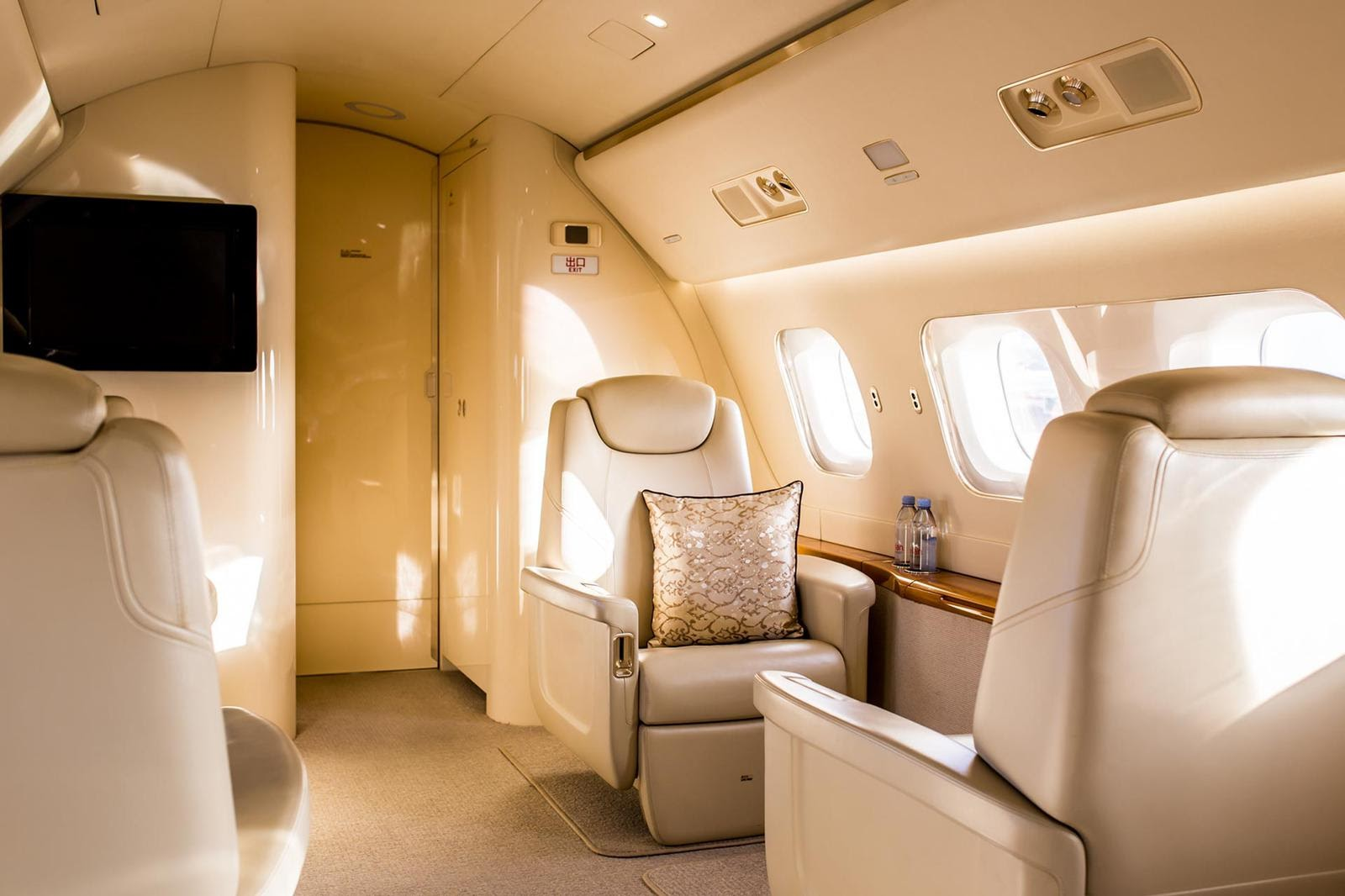 Embraer Lineage 1000. Фото: July Gringuz / Novans Jets