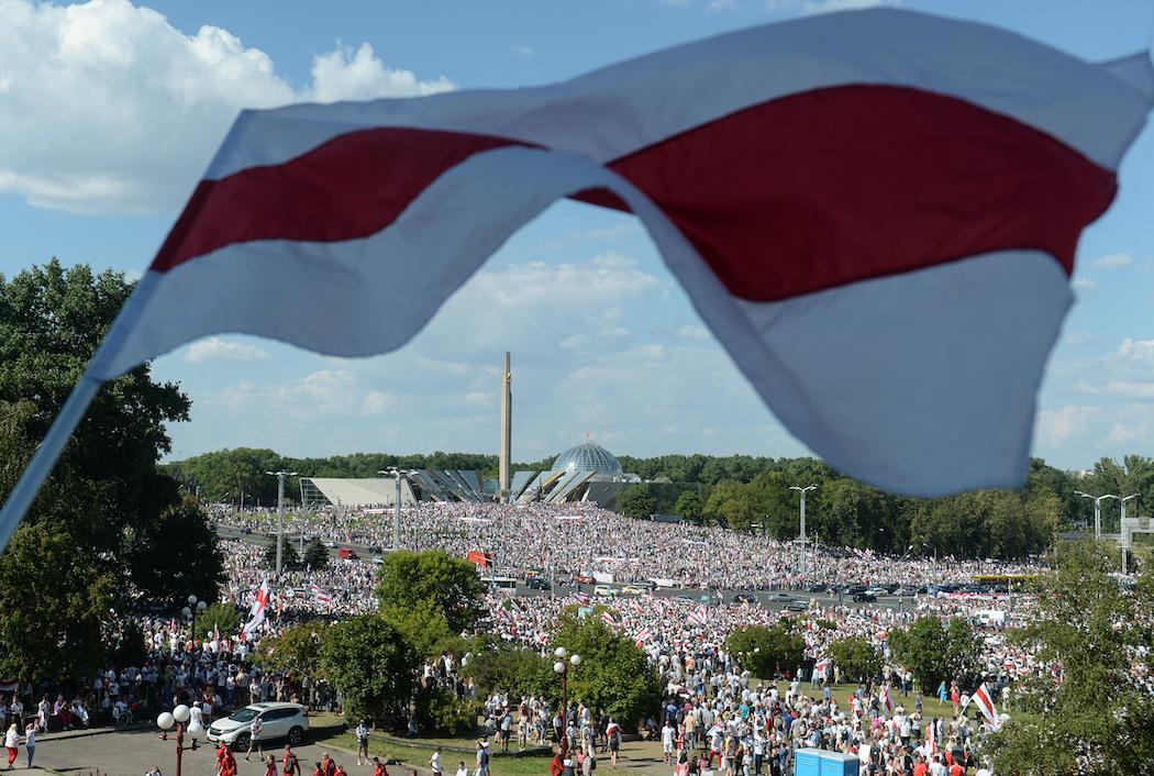 Протесты в Беларуси (Фото: EPA-EFE/YAUHEN YERCHAK)