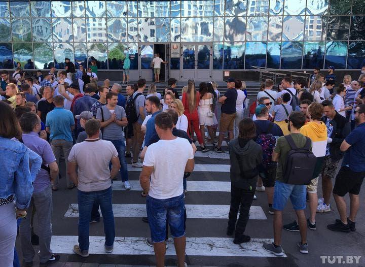 Сотрудники «Белтелерадиокомпании» устроили забастовку и отказываются выходить на работу, фото: TUT.by