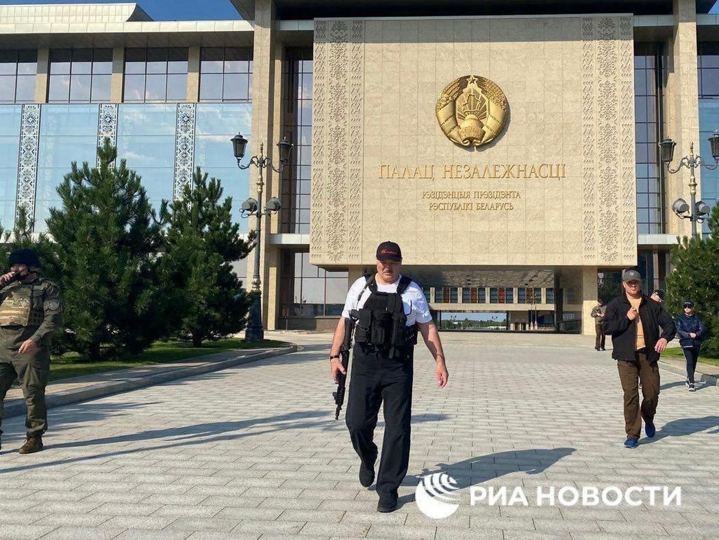 """""""Сволочи, следят из космоса"""". Весь абсурд Лукашенко - в 10 цитатах для росТВ"""