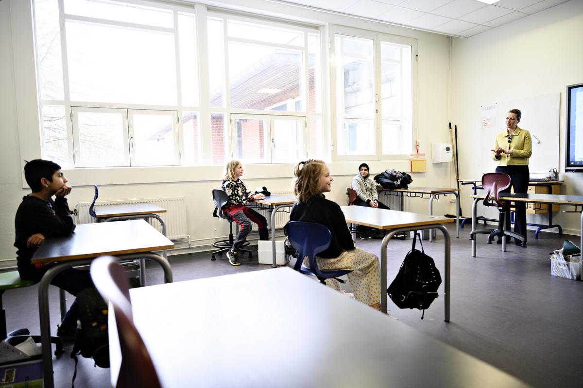 Ваши дети опять в украинской школе. Как учились оффлайн в Дании, Японии, Германии и Китае