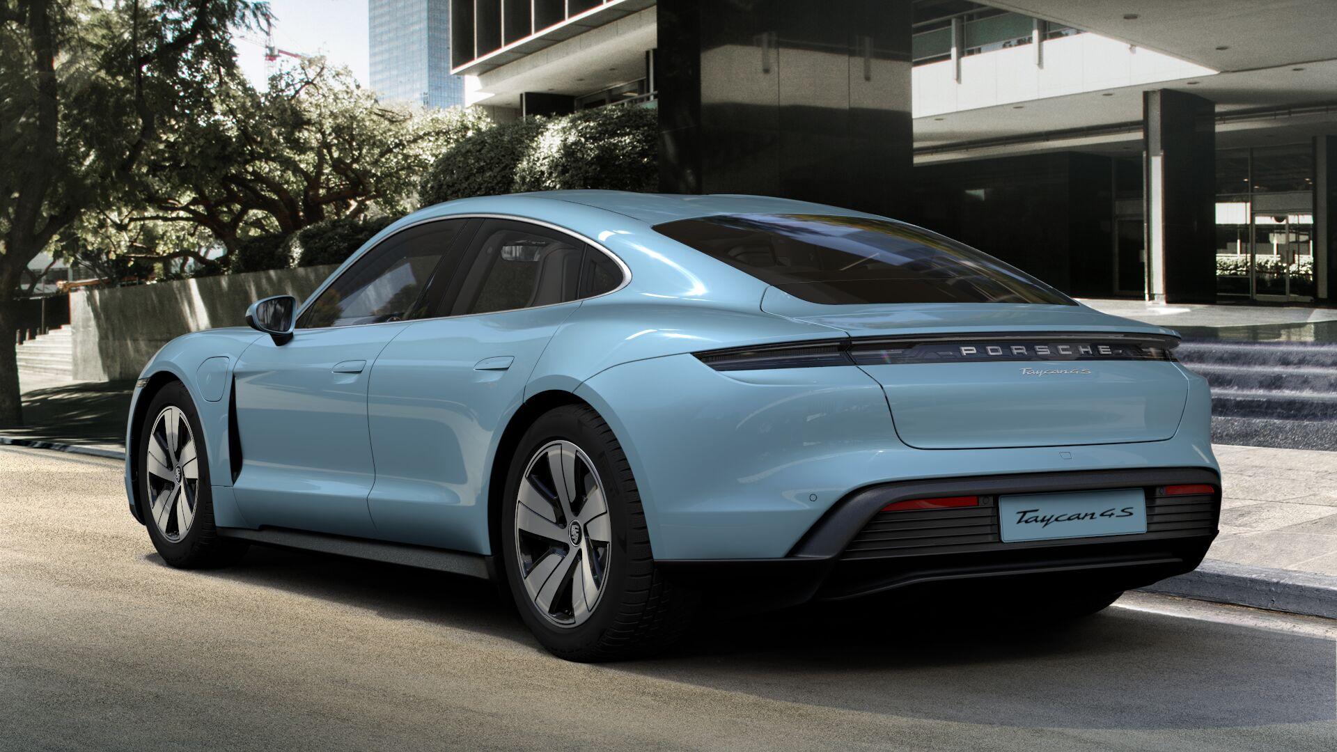 Porsche одалживает рабочих, чтобы справится с заказами на люкс-электрокар Taycan: видео