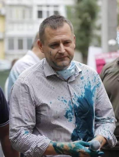 Мэра Днепра Филатова облили зеленкой: фото, видео