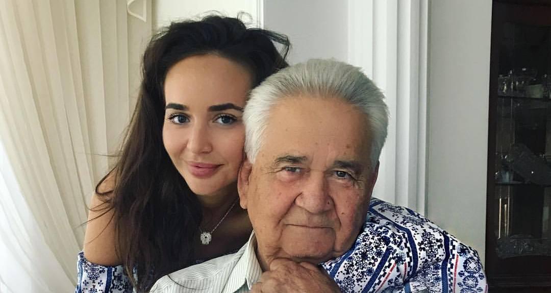 Витольд Фокин и его внучка Мария Фокина (Фото: Машa Фокина/Facebook)