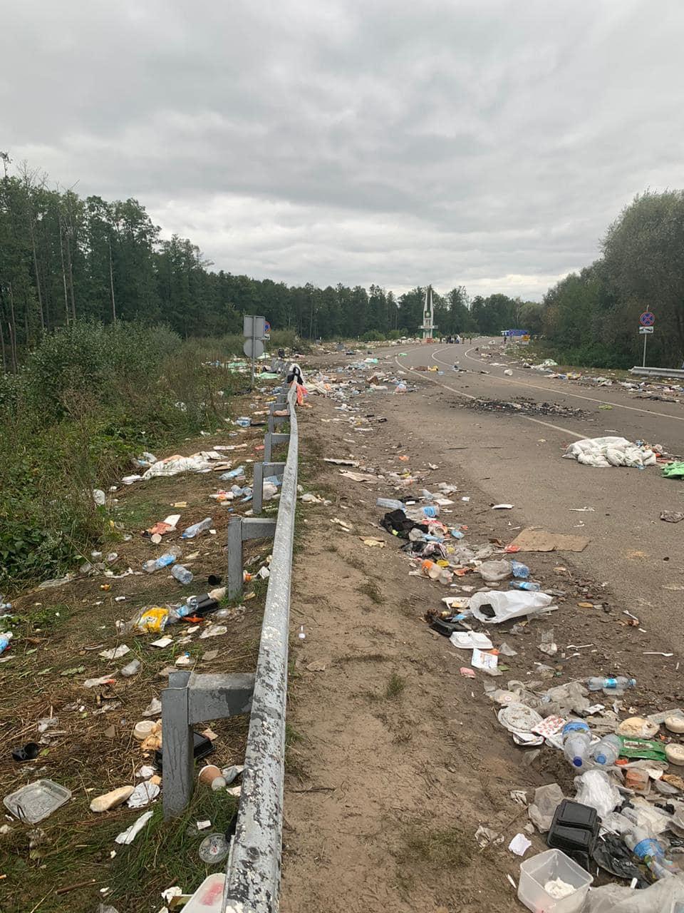 Тут були хасиди. Україна просить Білорусь прибрати сміття, що залишилося: фото