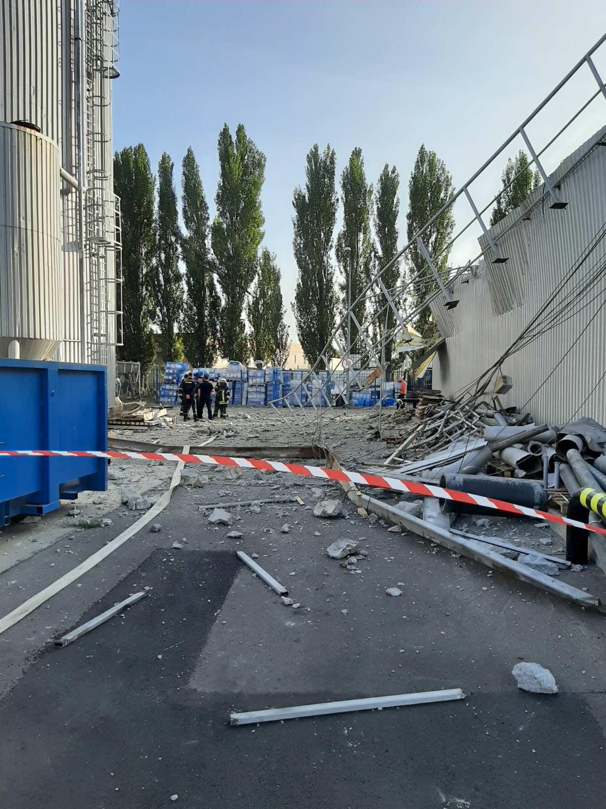 Последствия взрыва на заводе Carlsberg (фото - Facebook Евгения Шевченко)
