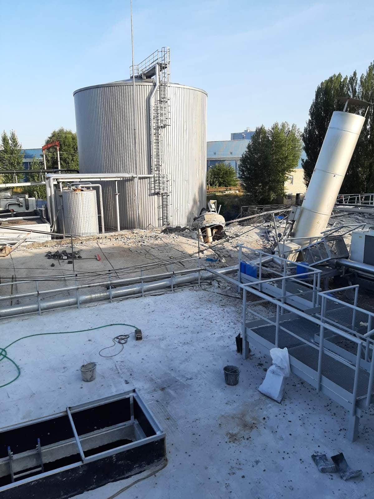 Последствия взрыва на заводе Carlsberg (фото_Facebook Евгения Шевченко)