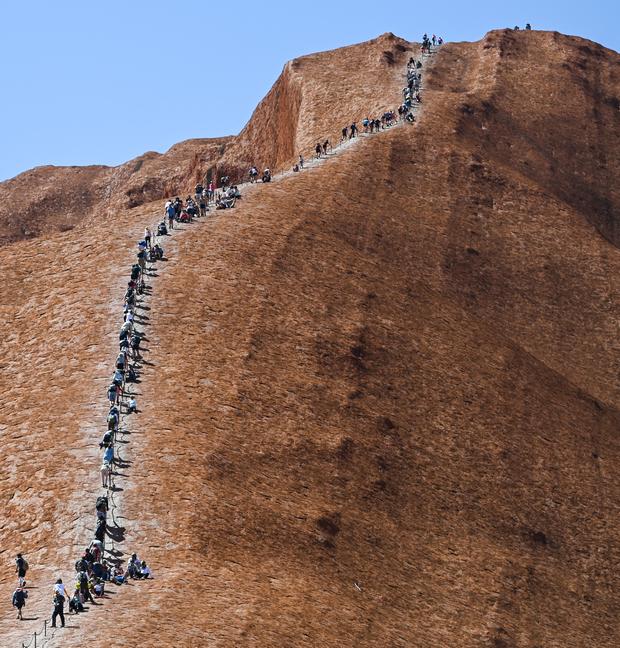 Улуру на пике популярности у туристов (фото – ЕРА)