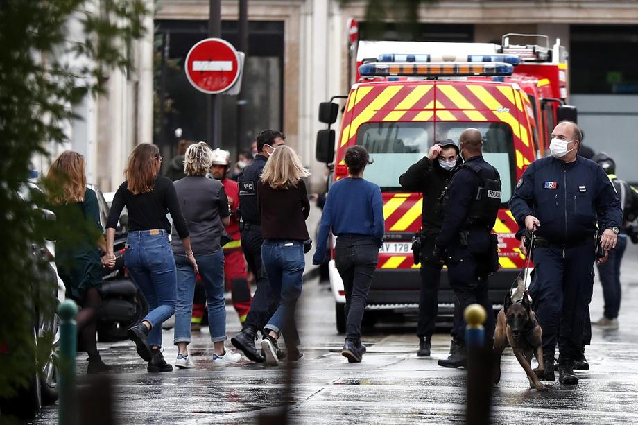 Біля колишньої редакції Шарлі Ебдо поранено не менше 2 людей – фото