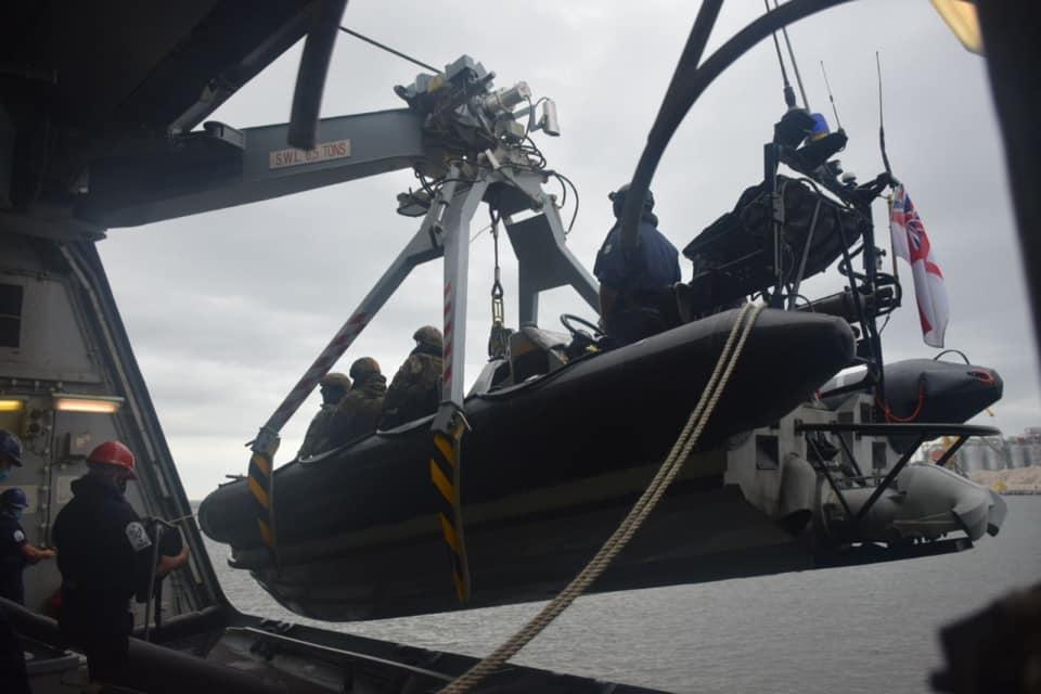 Учения на эсминце Великобритании,