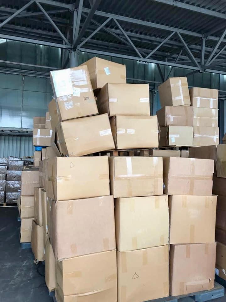 Киевская таможня изъяла в аэропорту Борисполь семь тонн защитных масок из Китая – фото