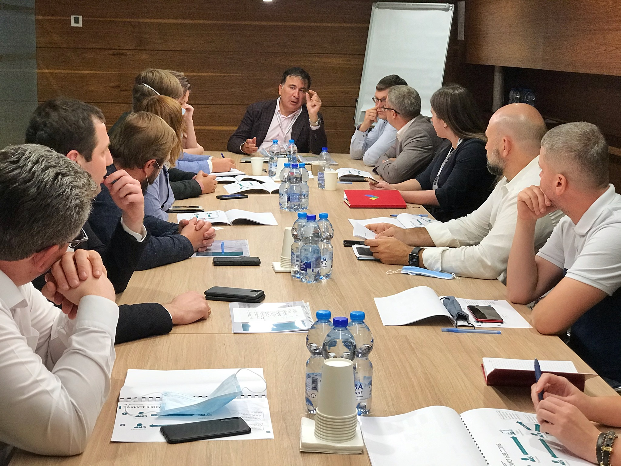 Михеил Саакашвили презентует реформу бизнес-ассоциациям и ассоциации застройщиков, фото: Михеил Саакашвили / Facebook