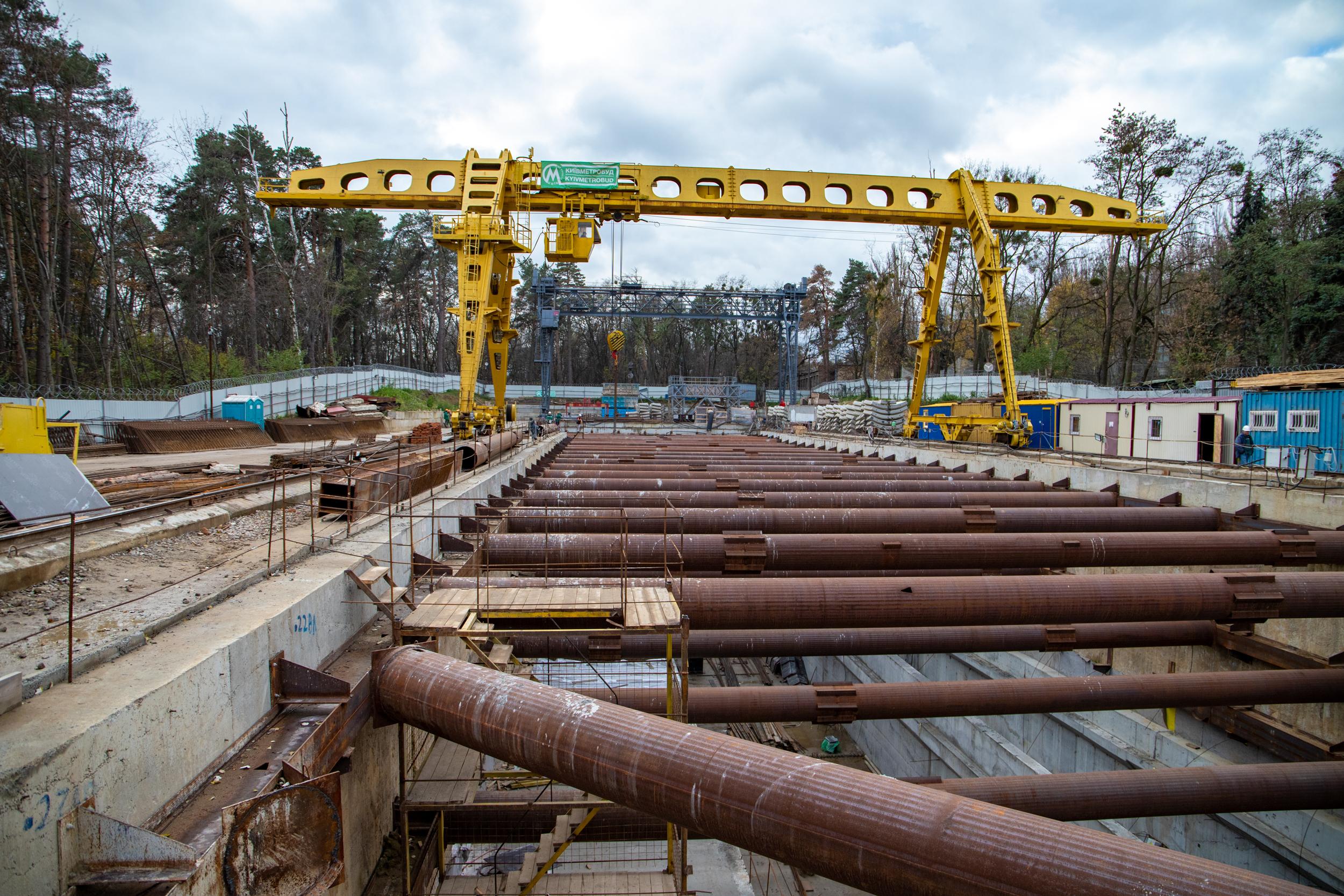 Кличко инспектировал строительство метро на Виноградарь: пока все по плану – фото, видео