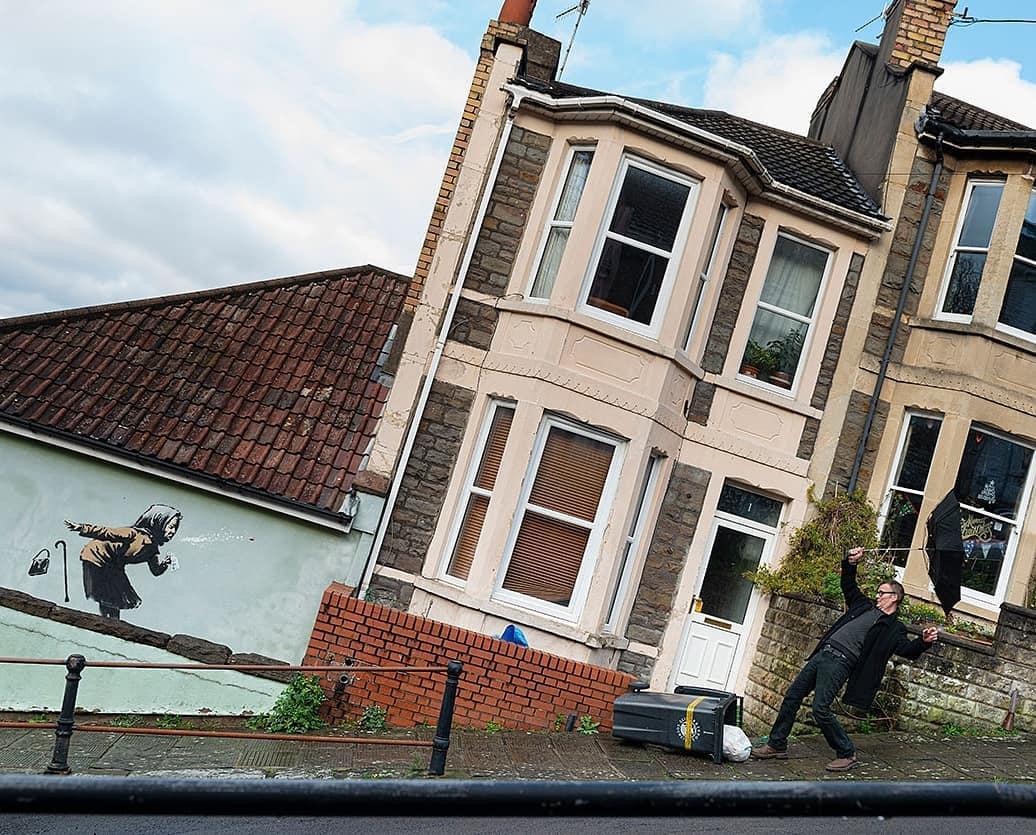Граффити Бэнкси в Бристоле – Aachoo!! (Фото: instagram/banksy)
