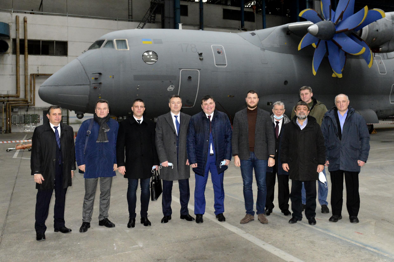 """Ан-178 для армії: Укроборонпром обіцяє """"Антонову"""" контракт уже в цьому році"""