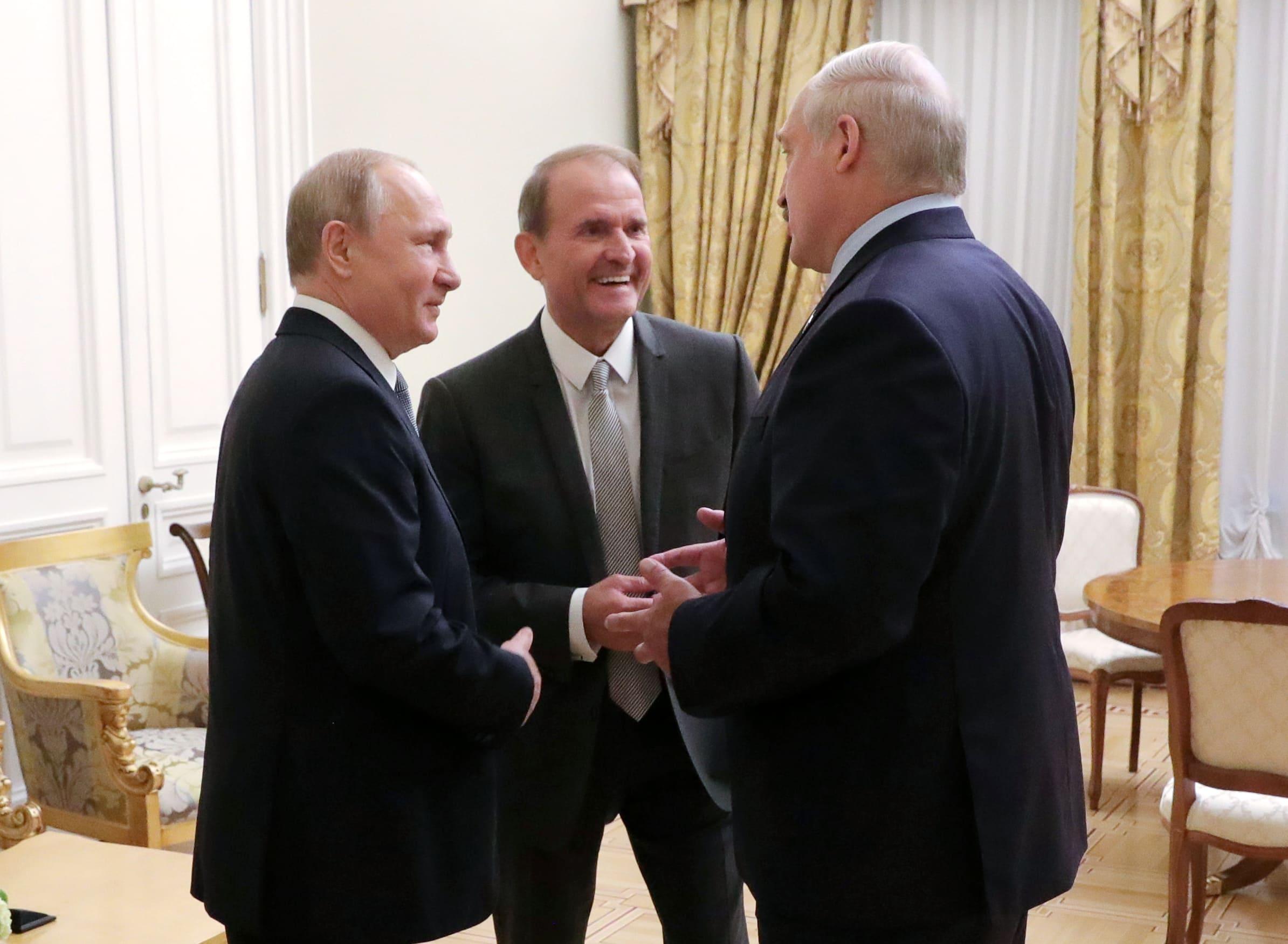 Владимир Путин, Виктор Медведчук и Александр Лукашенко (фото – Михаил Климентьев/EPA)