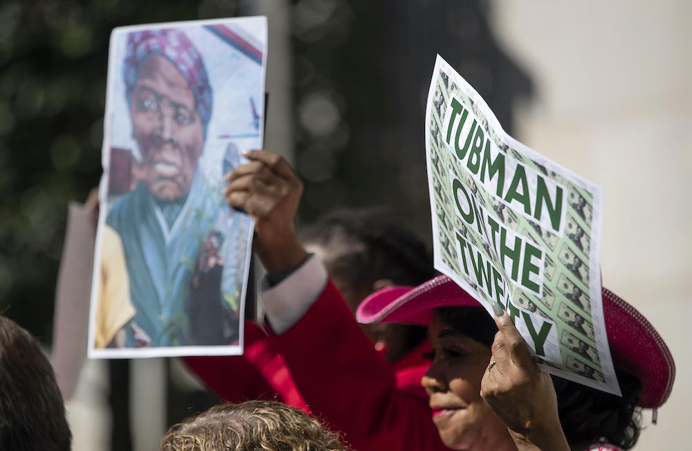 Байден хочет поместить на купюру в $20 портрет афроамериканской аболиционистки: фото