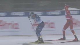 Российский лыжник пытался ударить фина палкой и врезался в него после финиша – видео