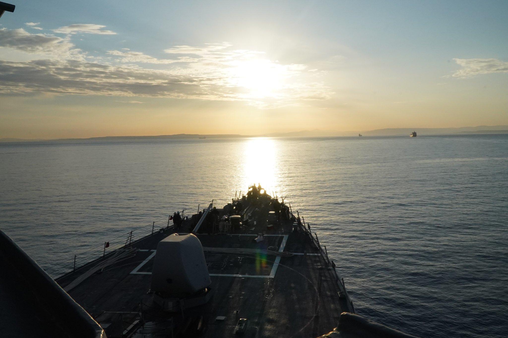 Третий за пять дней. В Черное море направляется корабль ВМС США USS Porter